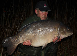 Ian Stott, Elstow, 39lb mirror caught using size 6 Covert Chod Hooks and 14lb Mirage mainline