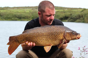 16lb common, it looks like it had a lucky escape